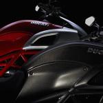 2011-Ducati-Diavel