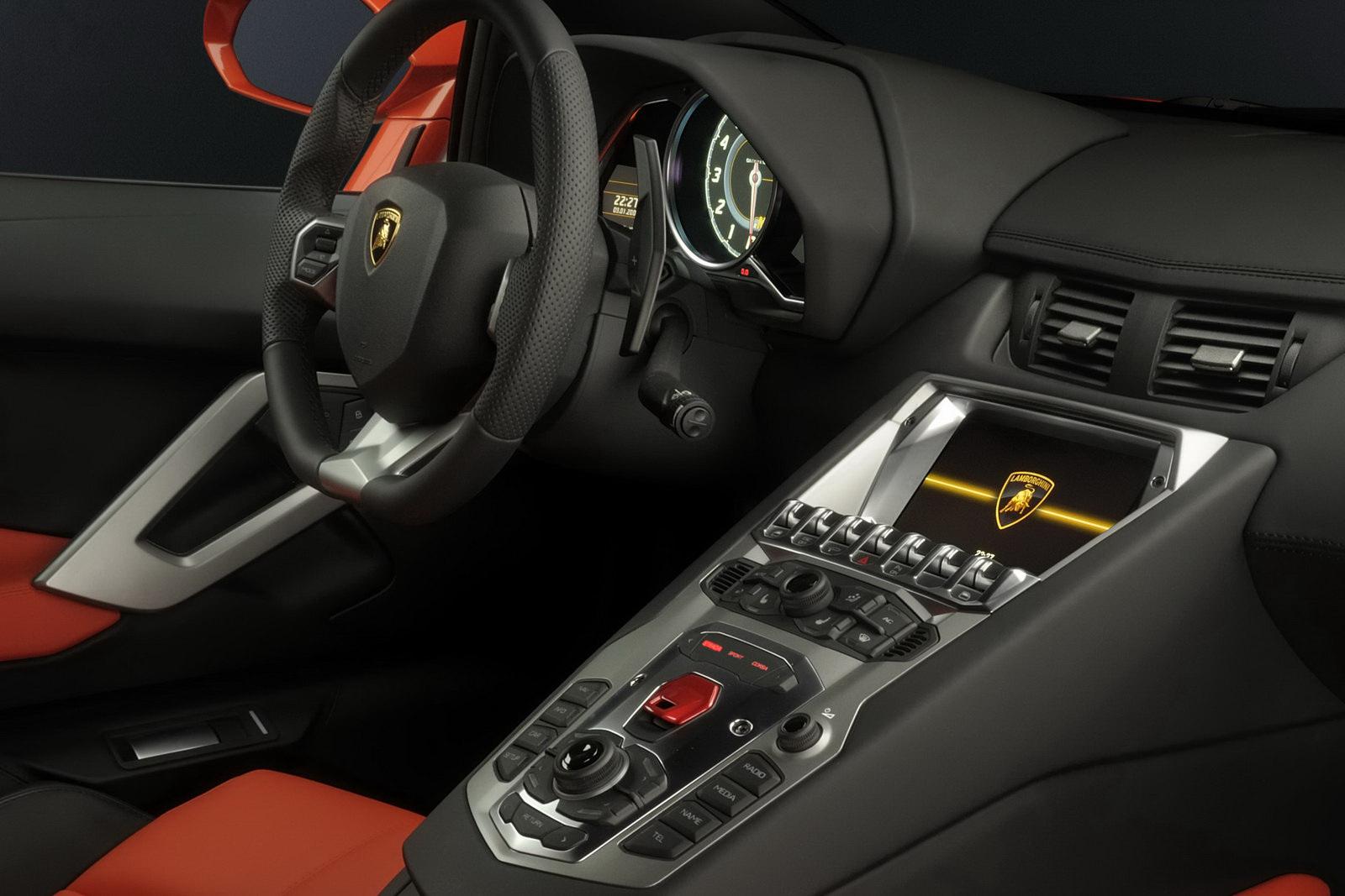 Dos Lamborghini Aventador petardeando juntos en Londres ...