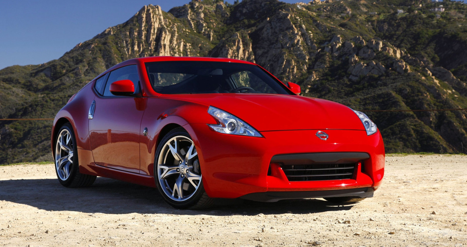 nissan 370z the affordable sports car. Black Bedroom Furniture Sets. Home Design Ideas
