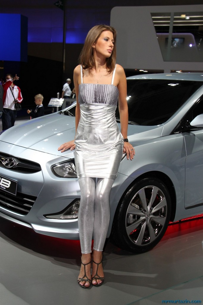 18 Most Stunning Women On Car TV Shows | TheThings