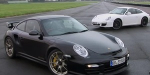 Video: Porsche 911 GT2 RS vs Porsche Carrera