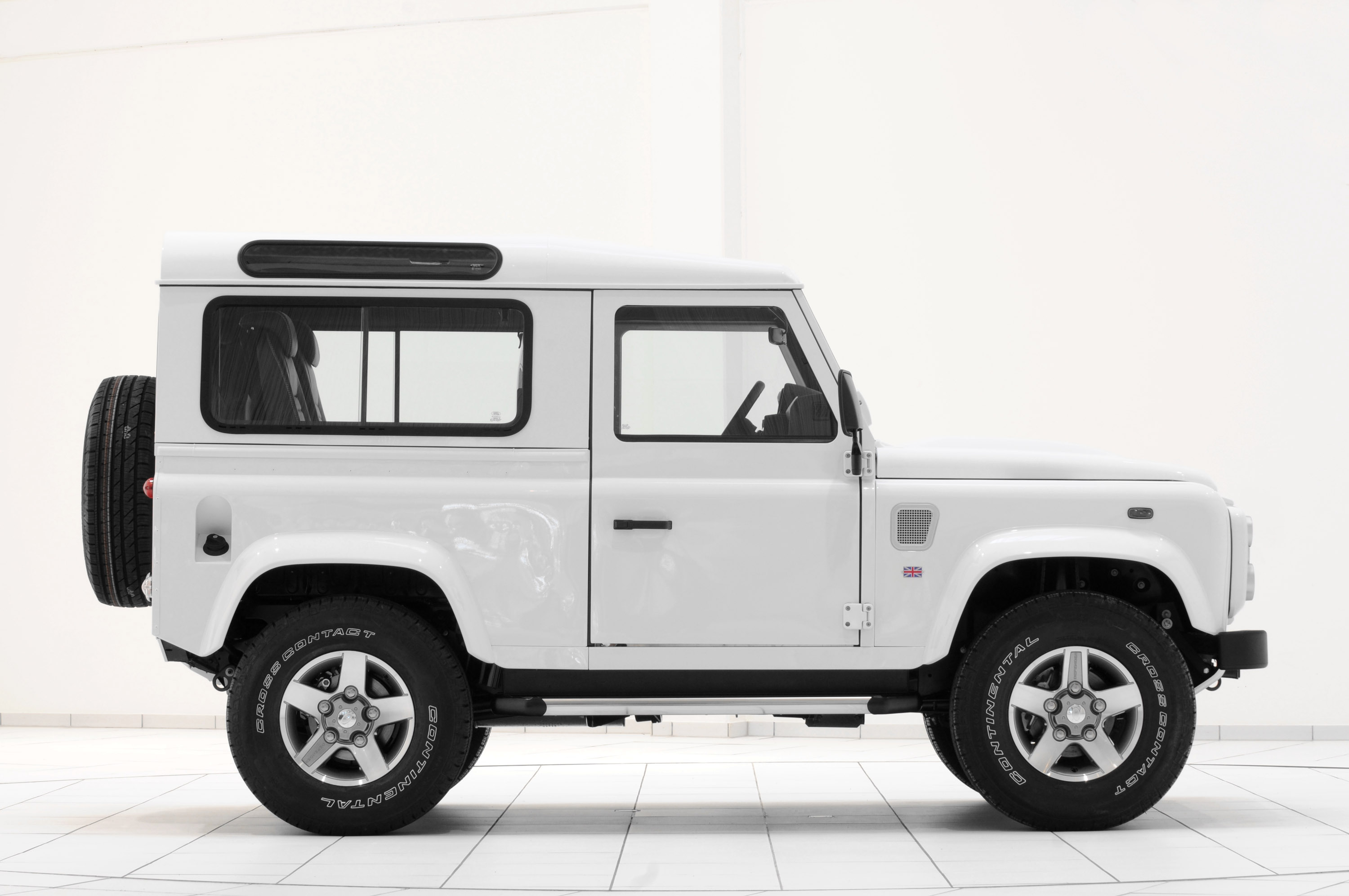 2011 startech land rover defender 90 yachting edition. Black Bedroom Furniture Sets. Home Design Ideas