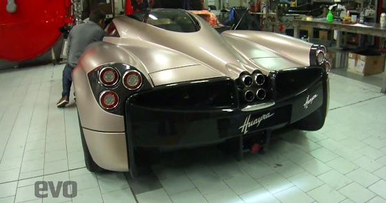 2012-Pagani-Huayra-First-Video