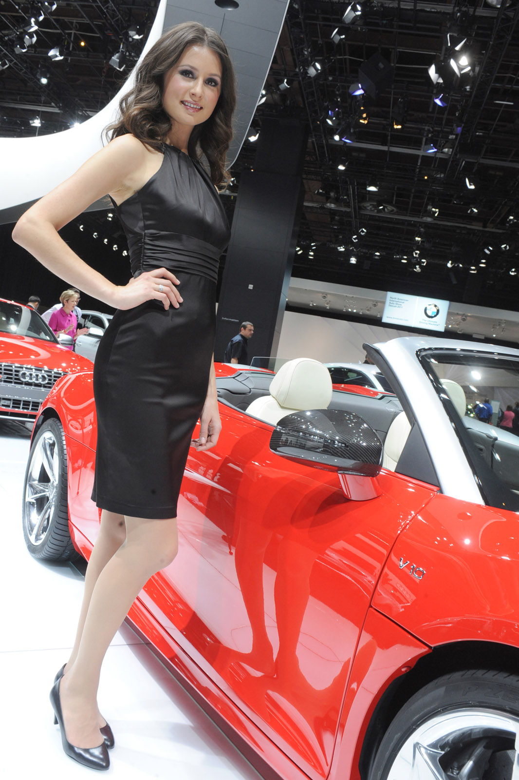 Hot girls of the 2011 detroit auto show - Auto motor show ...
