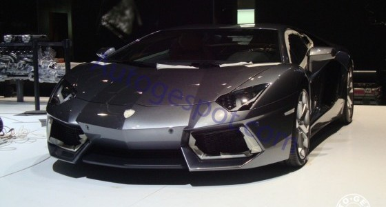 Lamborghini-Aventador-Geneva-Show-Pictures