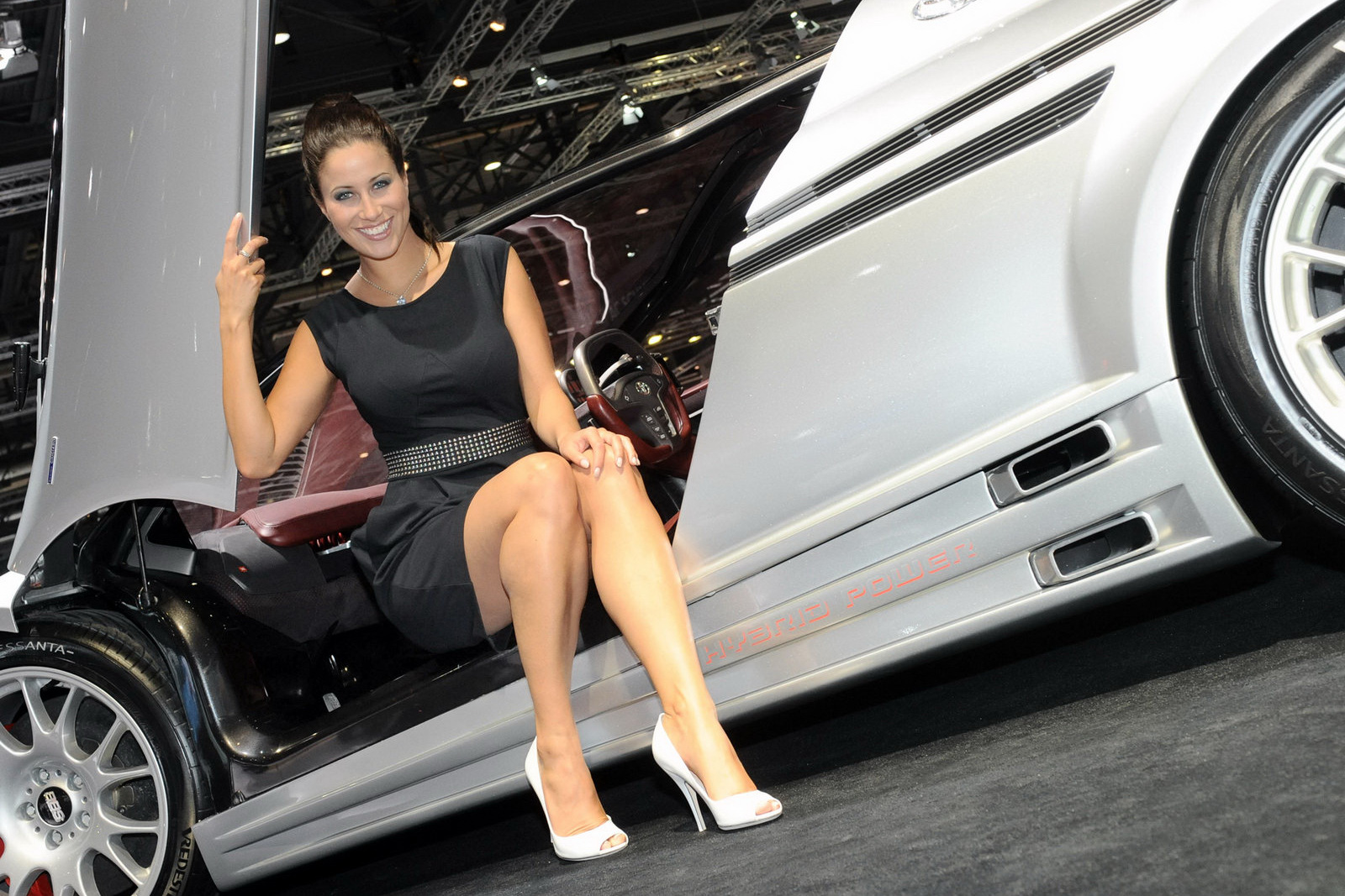 hot girls of the geneva motor show 2011. Black Bedroom Furniture Sets. Home Design Ideas