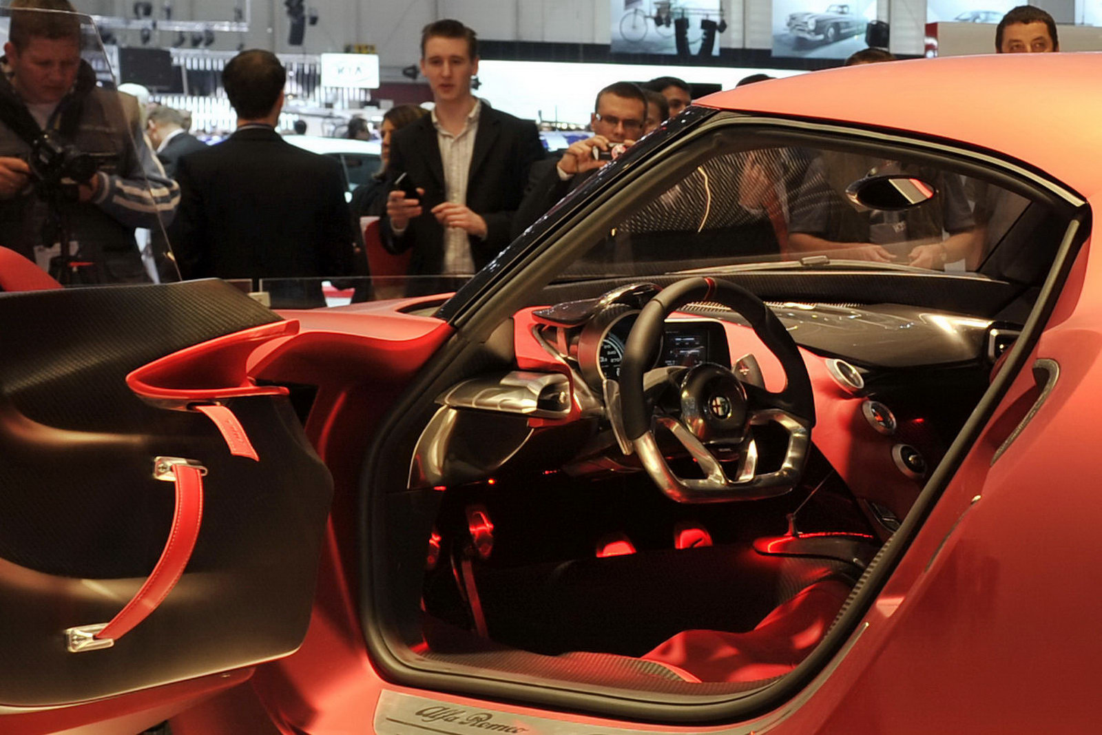 Alfa Romeo 4c Concept Interior Alfa-romeo-4c-concept-coupe