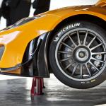 McLaren-MP4-12C-GT3-Garage
