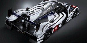 Green(er) Racing: Peugeot 908 Hybrid4 LMP1 Race Car