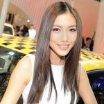 Shanghai-Auto-Show-cute-girl