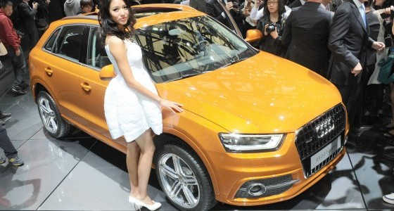 Shanghai-Auto-Show-Hot-Girls-Audi-Q3