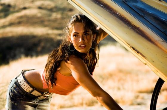 Megan-Fox-Transformers-Camaro-Hood