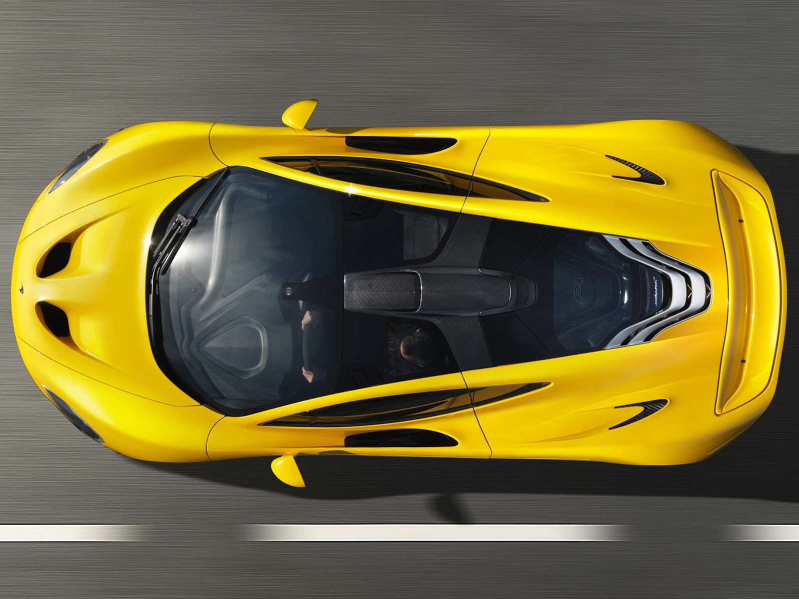 2014 McLaren P1 top picture